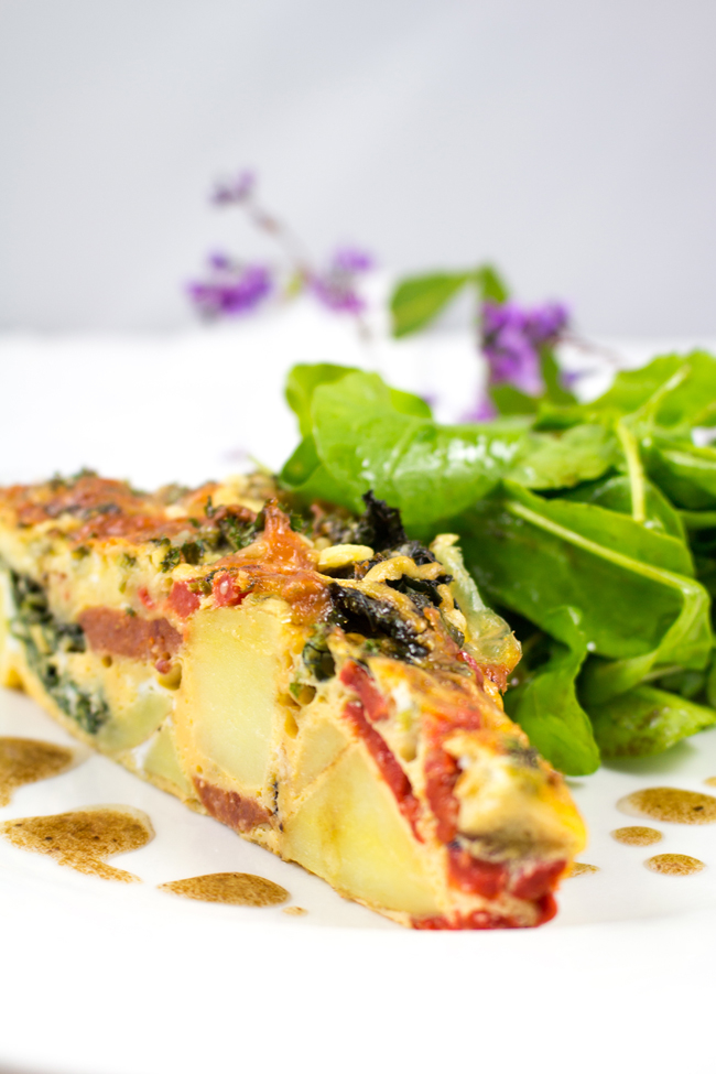 Chorizo, Kale, Potato and Red Bell Pepper Frittata - Sweet red bell peppers, kale and spicy chorizo. Healthy, super easy to put together and gluten-free!!